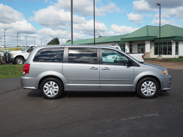 Used 2014 Dodge Grand Caravan SE with VIN 2C4RDGBG0ER353897 for sale in Saint Cloud, Minnesota