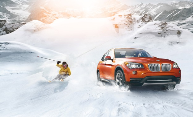 BMW X1 driving in the snow