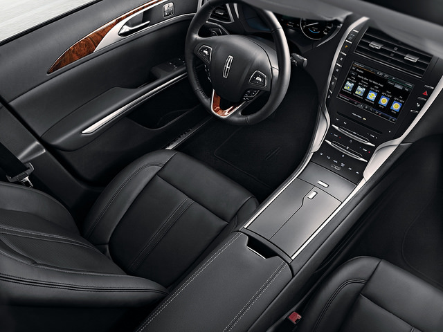 Used Lincoln MKZ 3.jpg