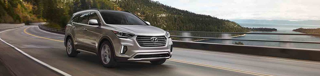 2017_SantaFe_Limited_Ultimate_Tech_Silver_0008_Mountains