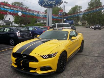 2015_Ford_Mustang_GT_Premium