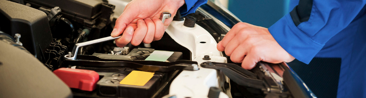 Checking and Replacing Your Vehicle's Belts and Hoses | Toronto, ON