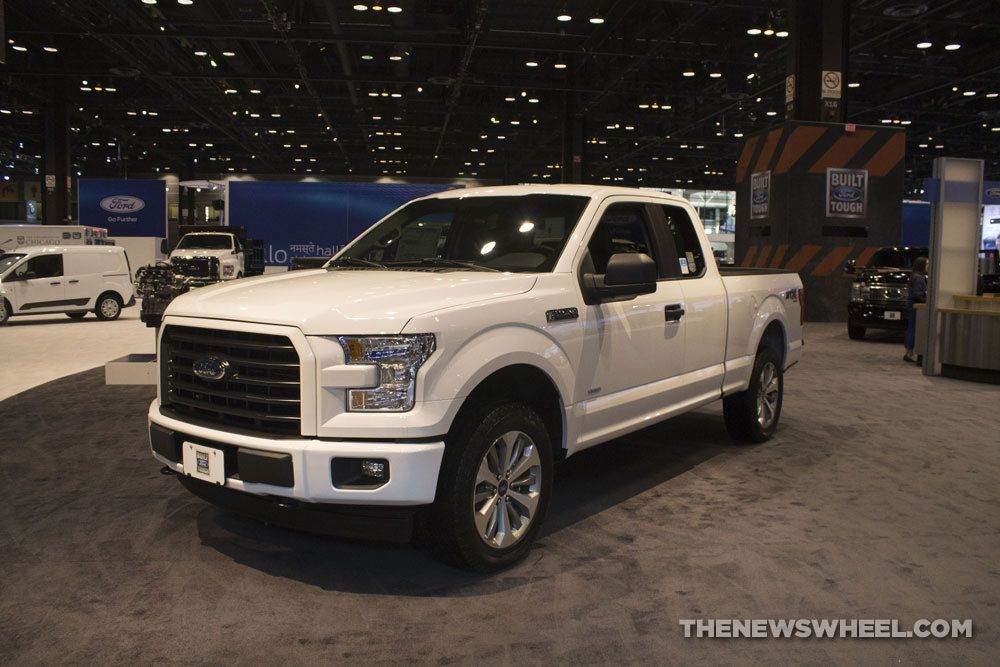 2017 Ford F-150 XL - Chicago Auto Show - Taken by the Newswheel