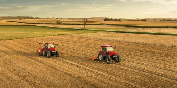 caseih_farmall_c_seeder_group_photo_092014_fr_mg_6988_1785_1190.jpg