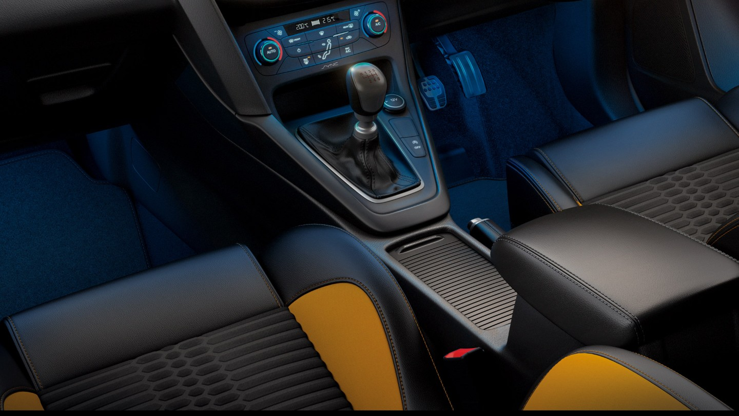 ford-focus_st-eu-3_FOC_39868_R_39906-16x9-2160x1215-ol-focus-st-3-interior.originalRendition.jpg