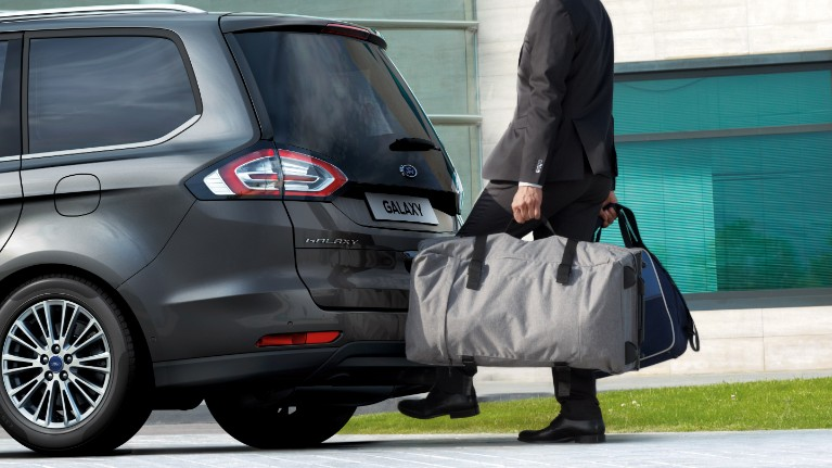 ford-galaxy-eu-bh14014-16x9-2880x1621-hands-free-tailgate.jpg.renditions.small.jpeg