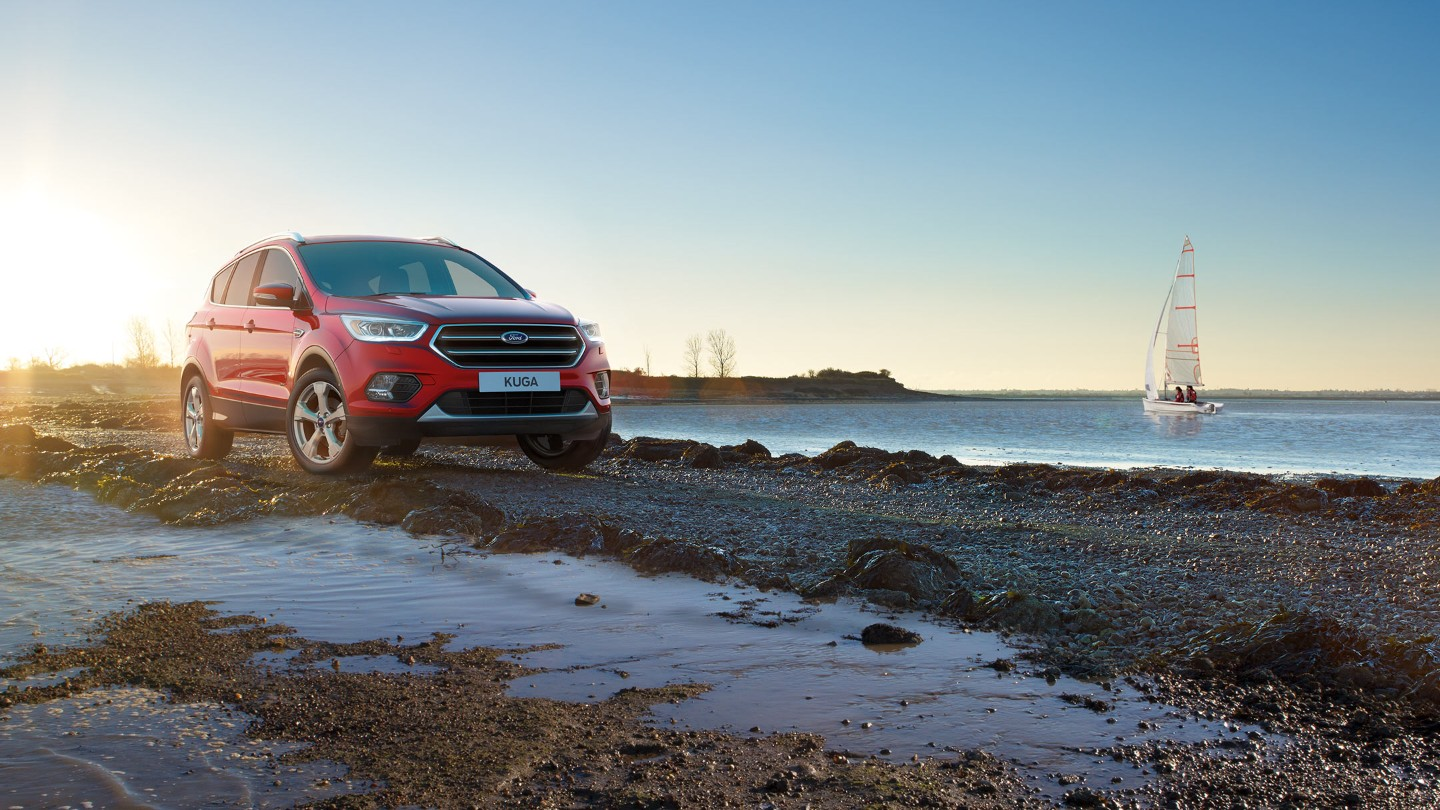 ford-kuga-eu-3_C520_37932_R_38721-16x9-2160x1215-ol-parked-in-sunset-by-lake.originalRendition.jpg