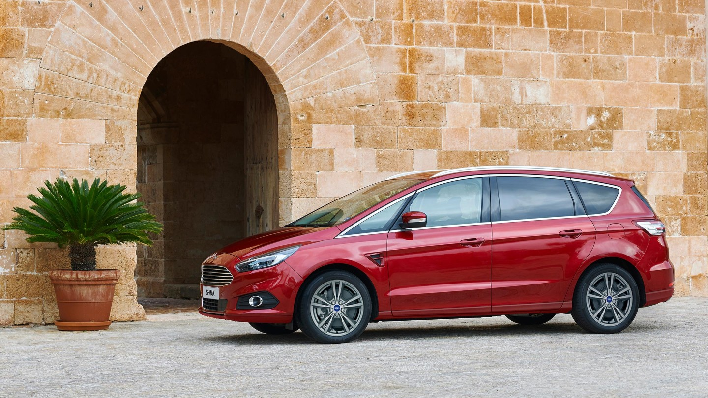 ford-smax-eu-FordS_MAX_2015_014_v2-16x9-2160x1215-ol-red-smax-side-view-parked.originalRendition.jpg