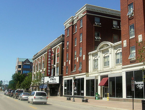 Paramount Theatre in Downtown Saint Cloud