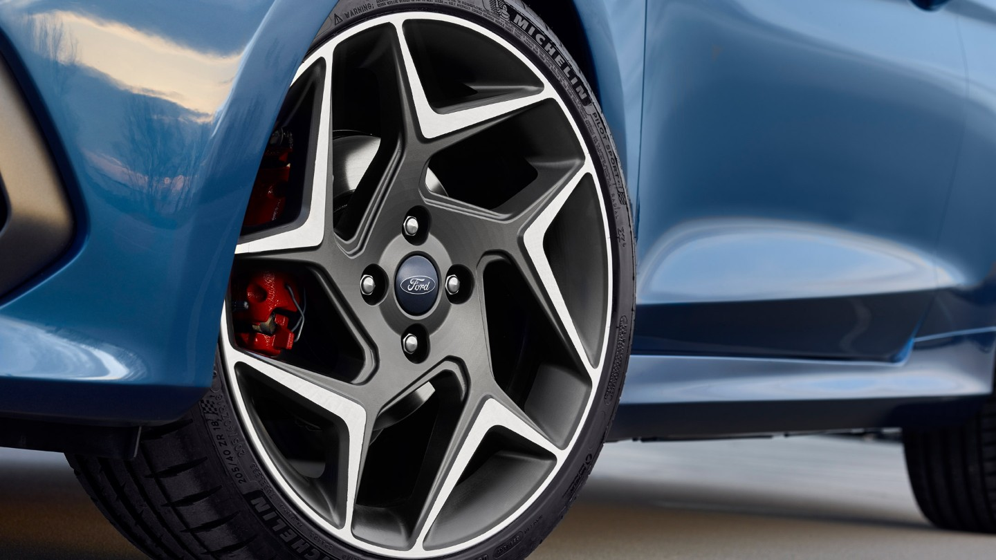 ford-fiesta-st-unique-alloy-wheels.jpg