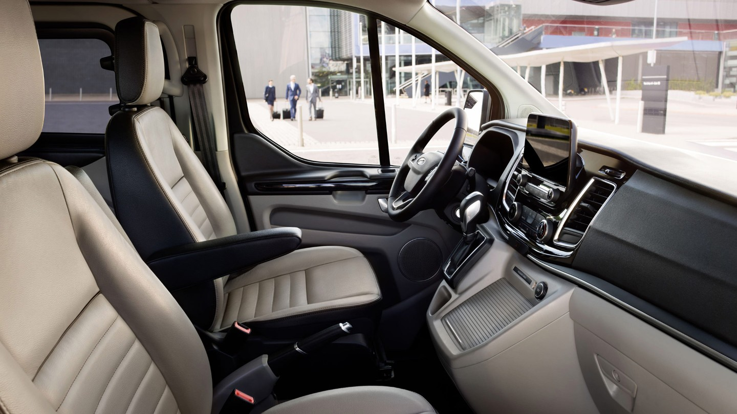 ford-tourneo-custom-interior.jpeg