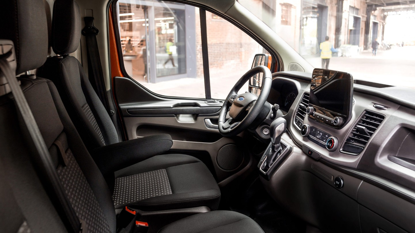 the new ford transit custom coming soon to haynes transit. Black Bedroom Furniture Sets. Home Design Ideas