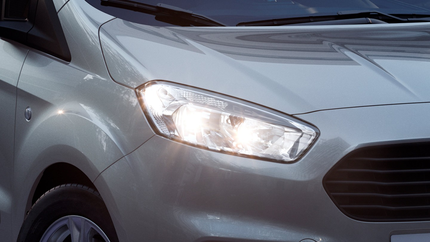ford-transit-courier-stylish-headlamps.jpg