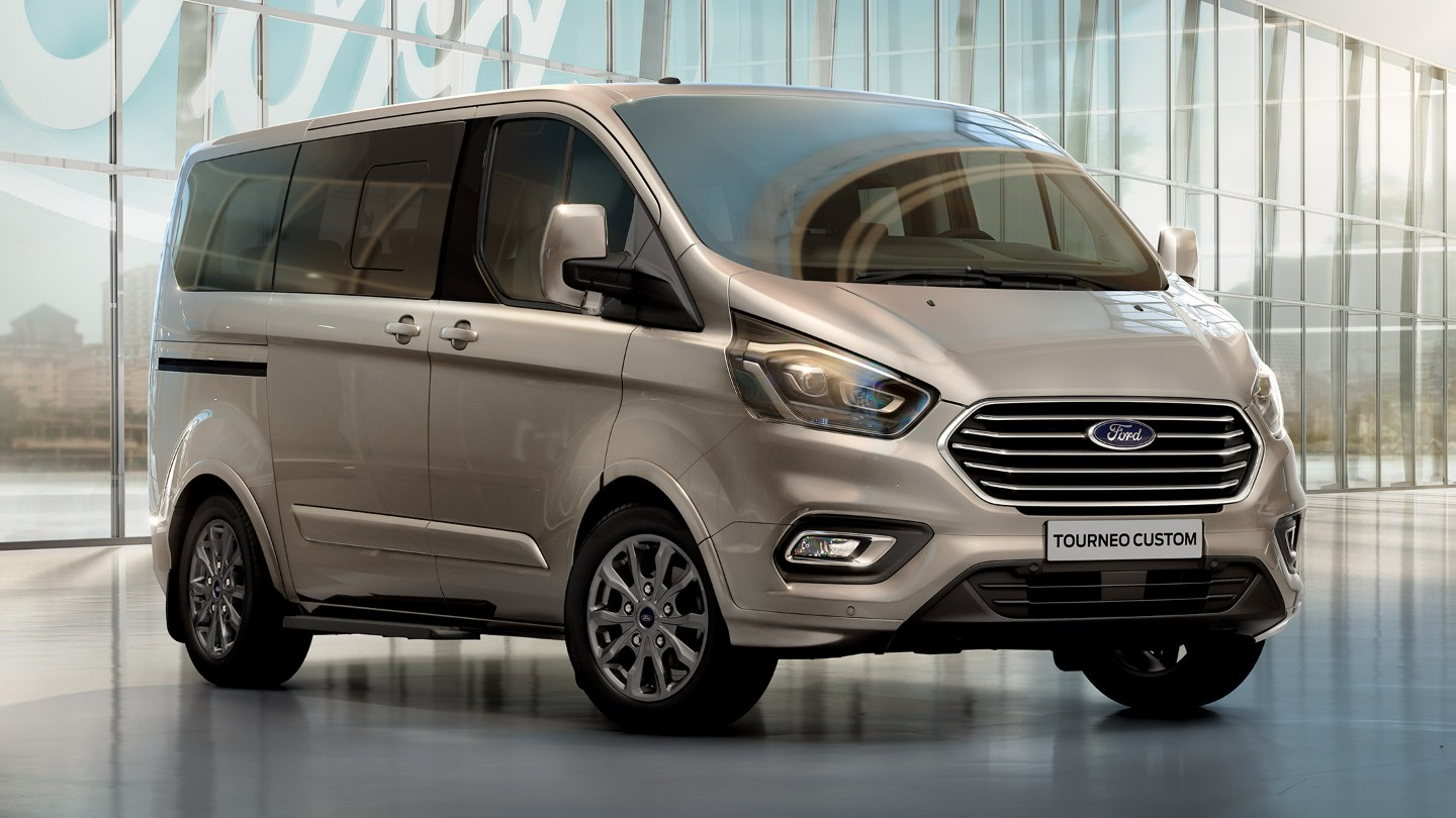 ford-new-tourneo-custom-professional.jpeg