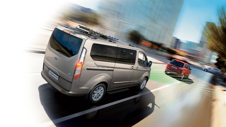 ford-new-tourneo-custom-pre-collision-assist-1.jpeg
