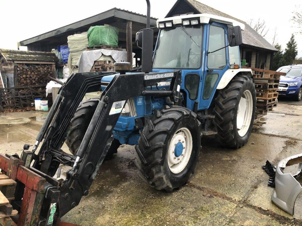 1987 USED TRACTORS . 4WD TRACTOR