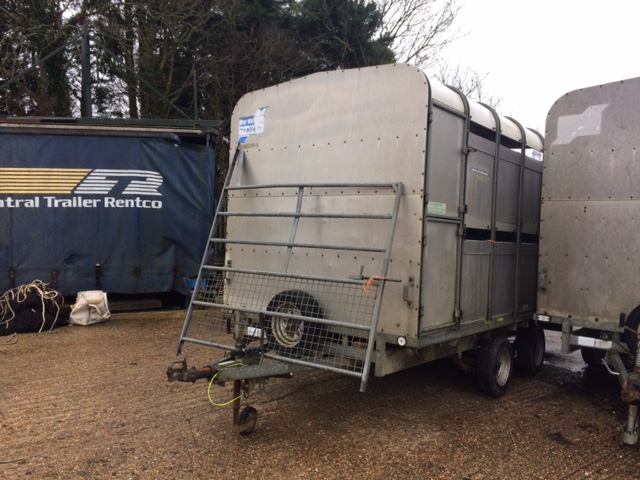 2000 USED TRAILER . TWIN AXLE TRAILER