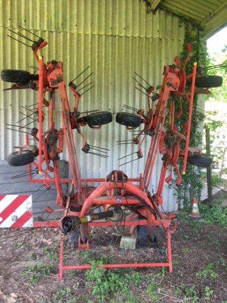 2005 USED IMPLEMENT KUHN GYROTEDDER