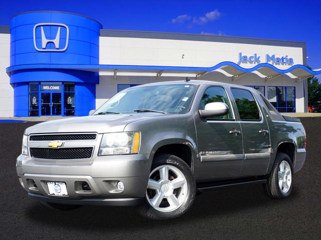 "2008 Chevrolet Avalanche 4WD Crew Cab 130"" LS"