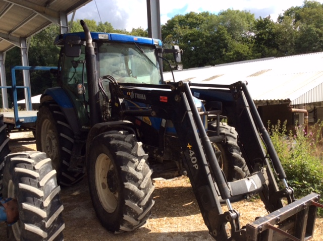 2009 USED TRACTORS NEW HOLLAND 4WD TRACTOR