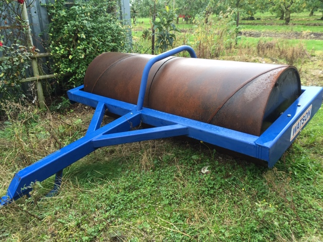 2016 USED IMPLEMENT . FLAT ROLL