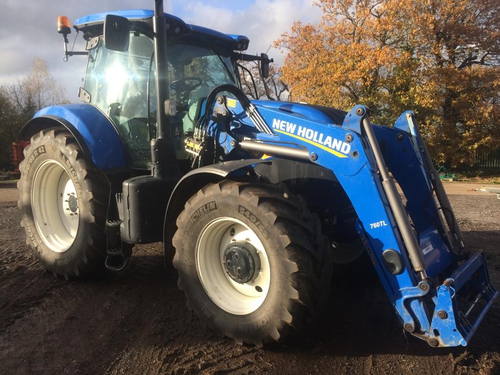 2016 USED TRACTORS NEW HOLLAND 4WD TRACTOR