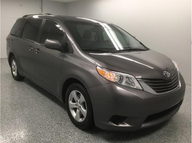 2017 Toyota Sienna LE FWD 8-Passenger