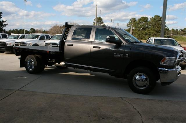 "2018 Ram 3500 Chassis Cab Tradesman 4WD Crew Cab 60"" CA 172.4"" WB"