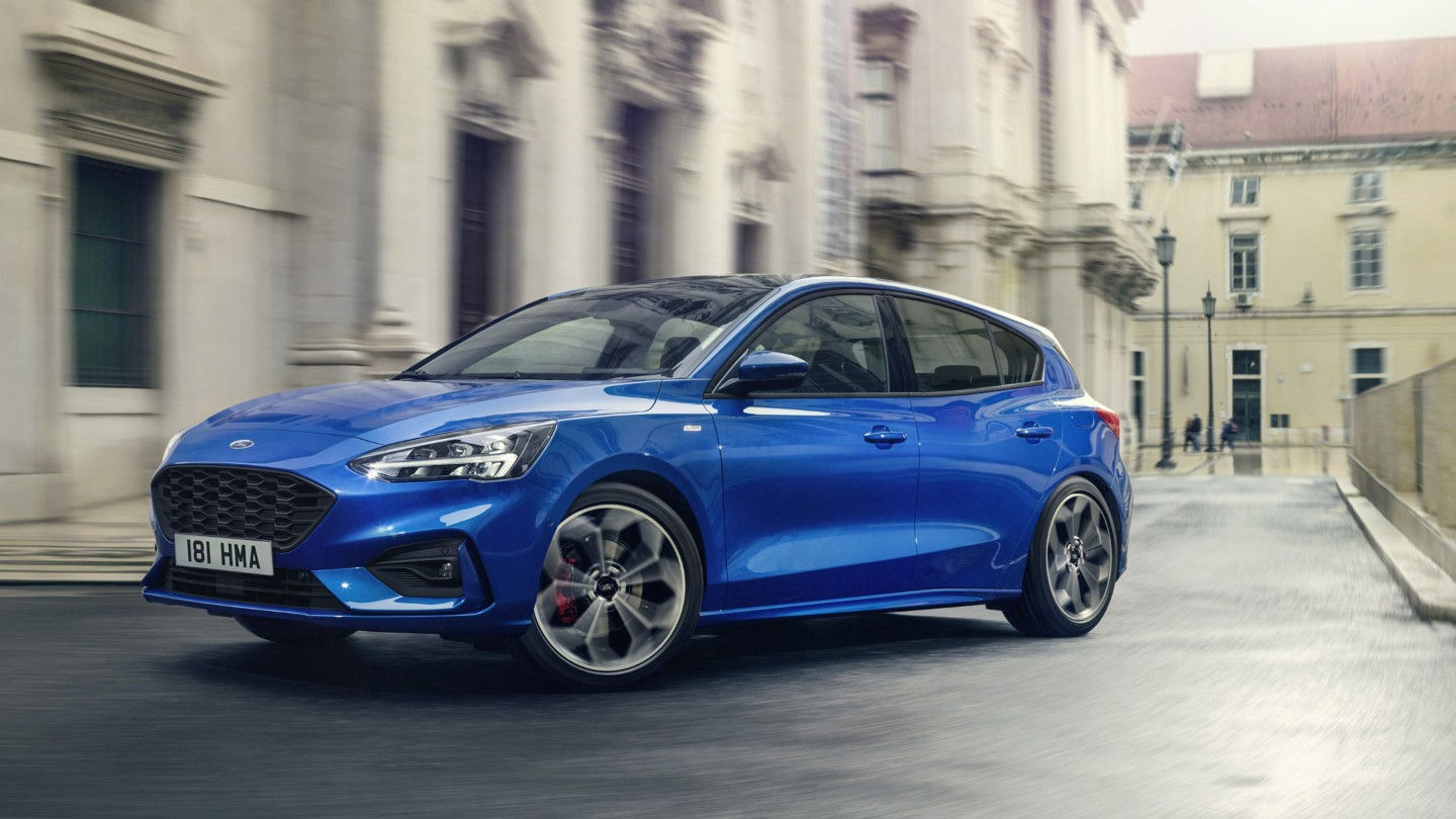 ford-focus-stline-eu-2018_FORD_FOCUS_ST-LINE_34Front_C_speed_19-16x9-2160x1215-bg.jpg.renditions.extra-large.jpeg
