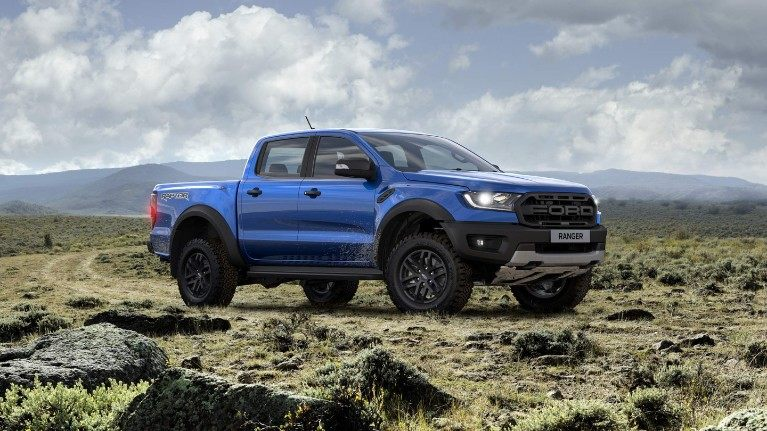 Ford-Raptor-eu-tha_p375_dblcab_raptor_awd_auto_leather_globalbluelightning_location_4-16x9-2160x1215.jpg.renditions.small.jpeg
