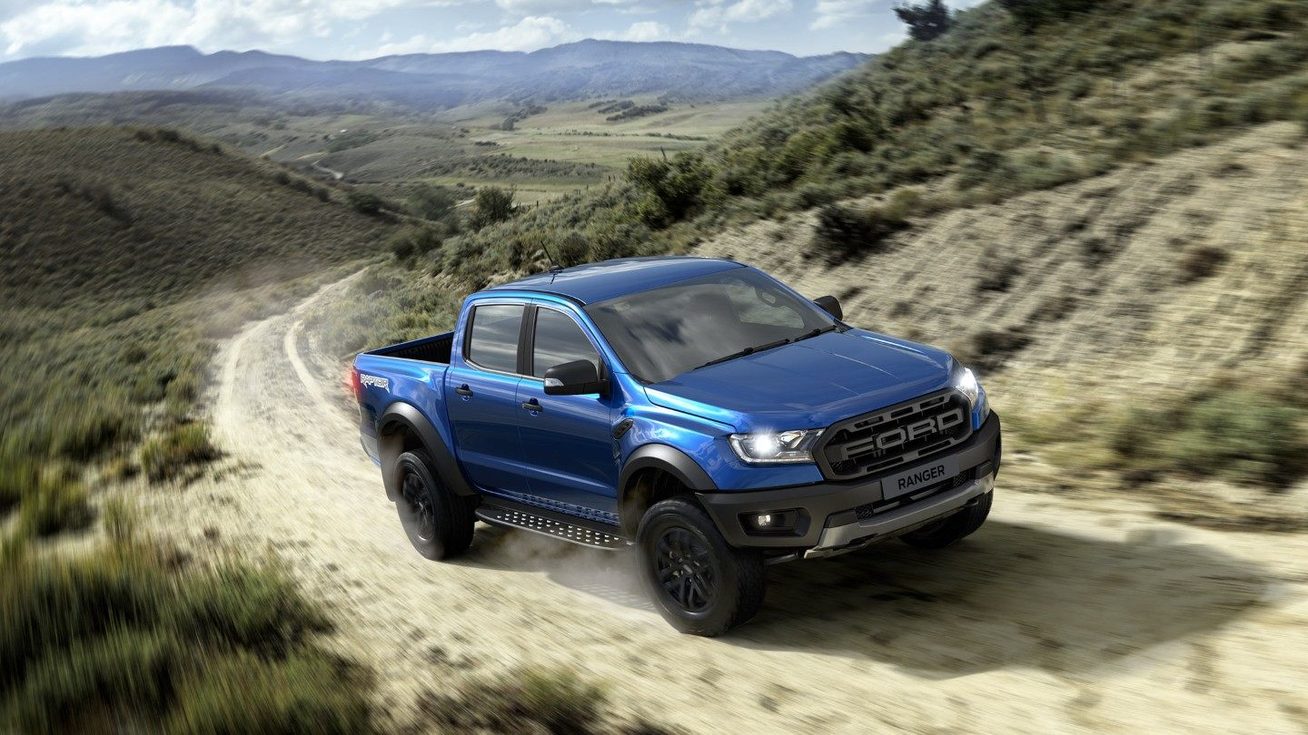Ford-Ranger_Raptor-eu-tha_p375_dblcab_raptor_awd_auto_leather_globalbluelightning_location_5_RHD-16x9-2160x1215.jpg.renditions.extra-large.jpeg