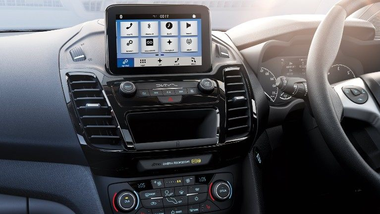 new-ford-tourneo-connect-sync.jpeg
