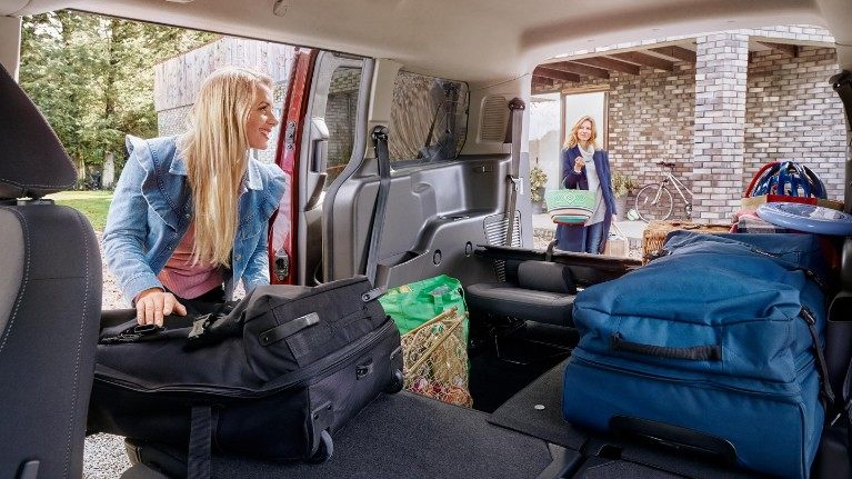 new-ford-tourneo-connect-flexible-seating