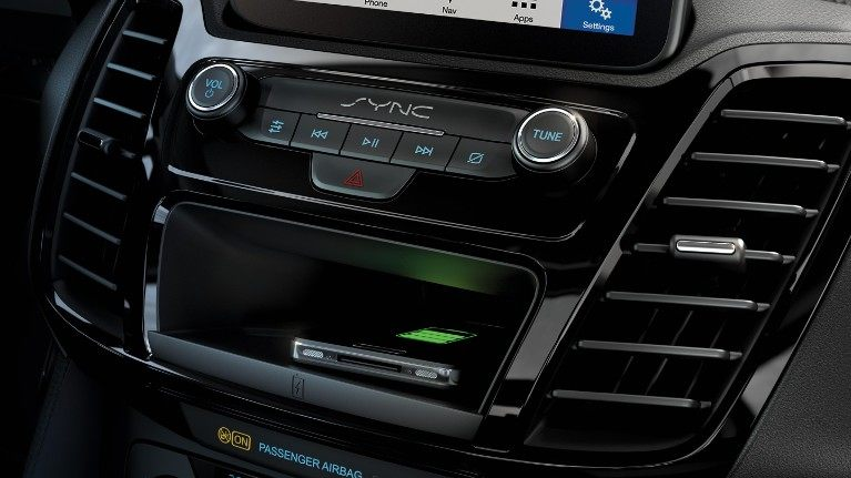 new-ford-transit-connect-wireless-charging