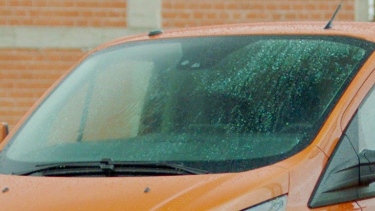 new-ford-transit-custom-rain-sensing-wipers.jpeg