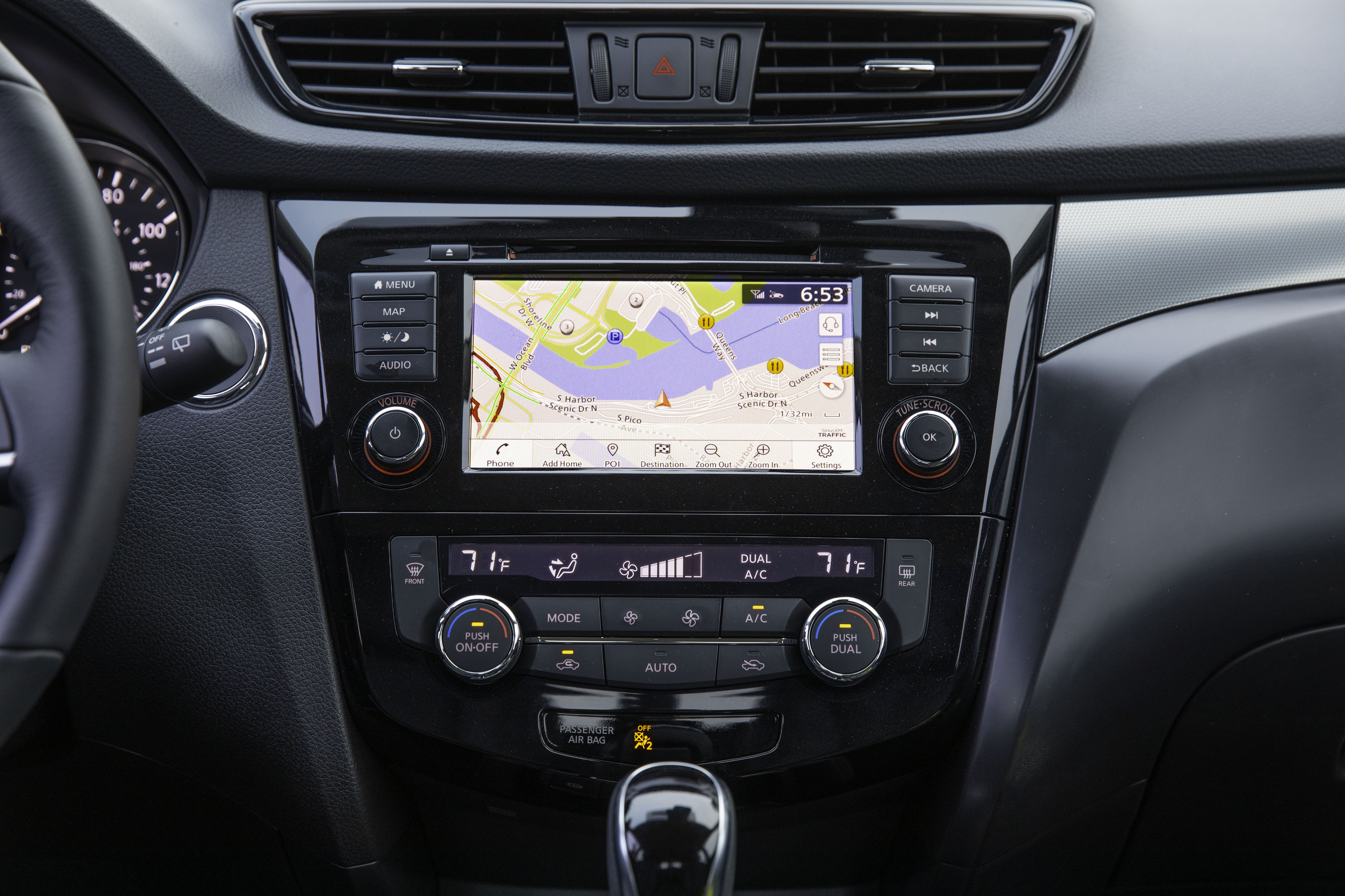 Interior image of the 2020 Nissan Qashqai