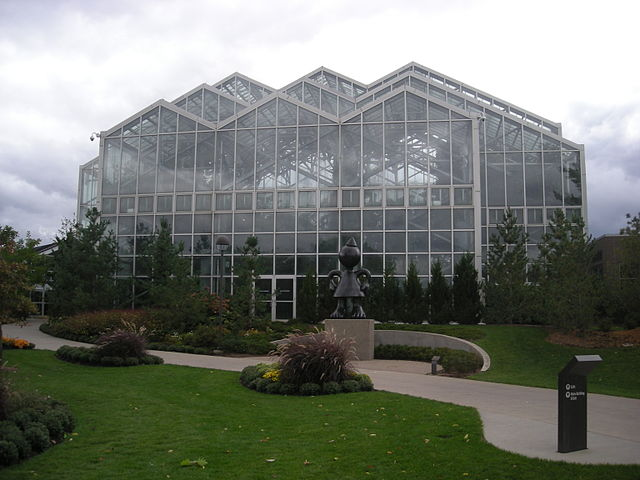 640px-Meijer_Gardens_October_2014_19_(Tropical_Conservatory)