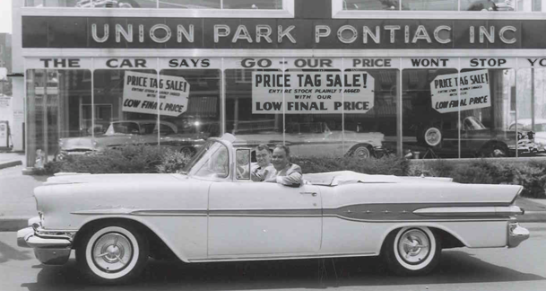 Retro Car  in front of Store | Union Park Honda | Wilmington, DE