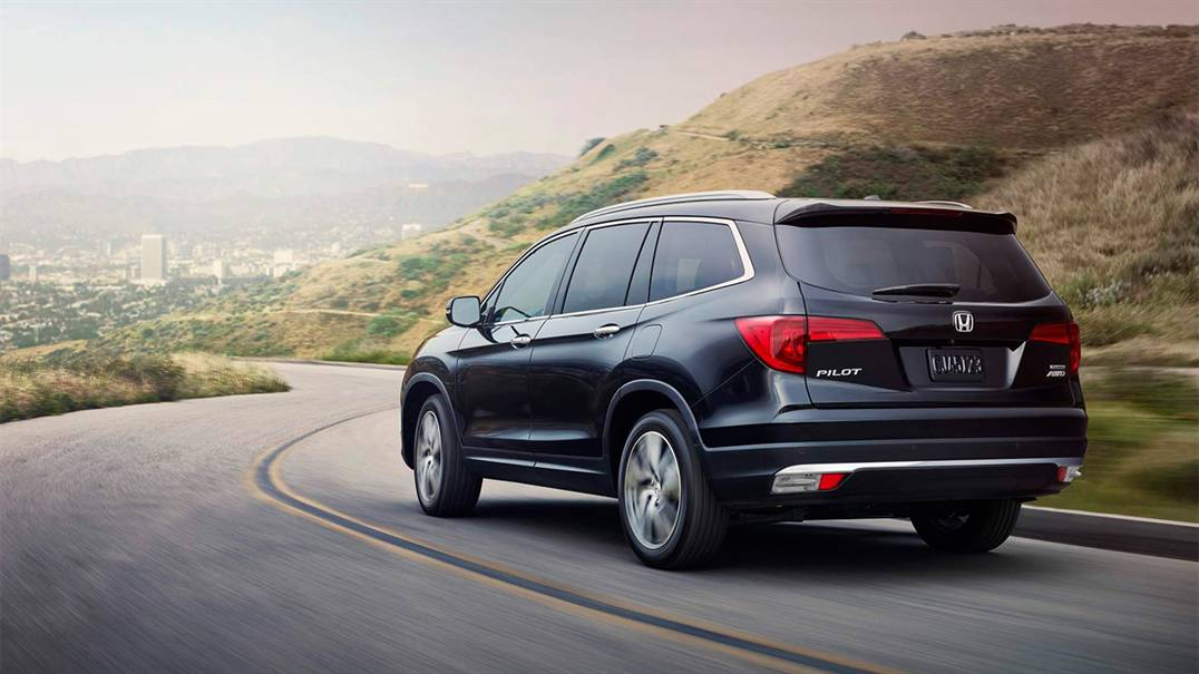 Captivating 2016 Honda Pilot, Perfect For Kansas City, KS Drivers