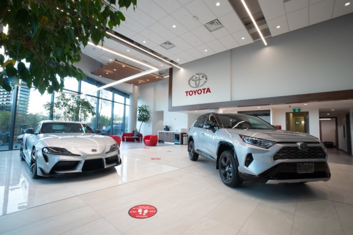 Image of the vehicle showroom at Downtown Toyota.