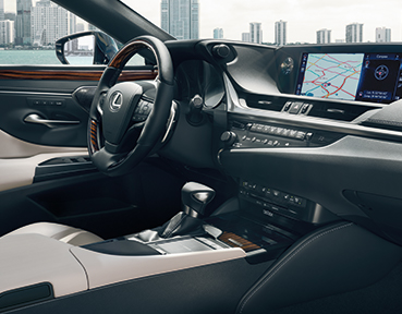 2019 Lexus ES Interior | Lexus Downtown | Toronto, ON