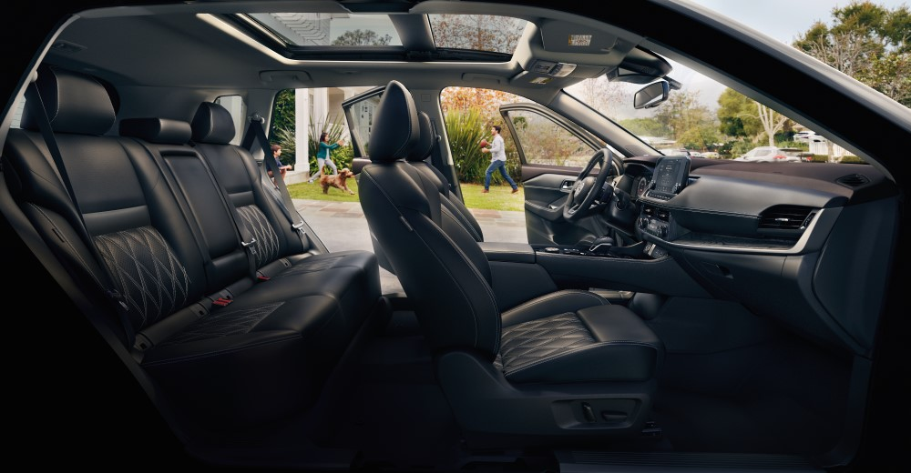 Interior image of the 2021 Nissan Rogue - Toronto, ON