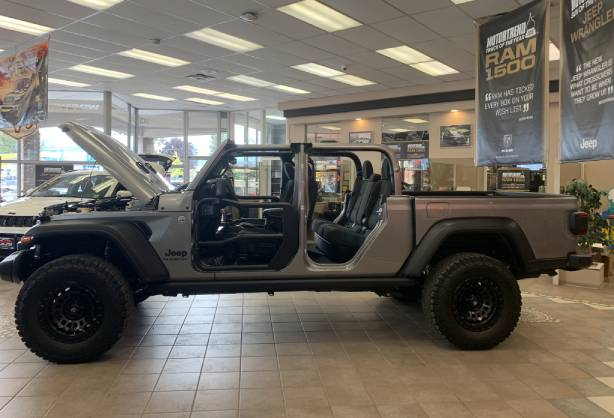 2020_Jeep_Gladiator_Rubicon.jpg