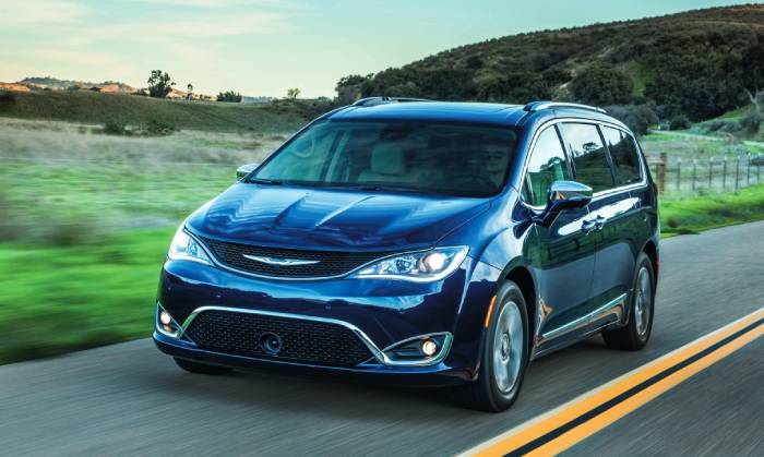 2019-Chrysler-Pacifica-Hybrid.jpg
