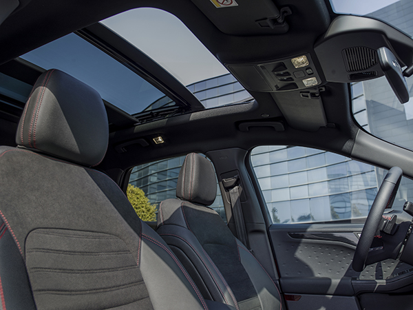 2019_FORD_KUGA_PANORAMIC_ROOF.jpg