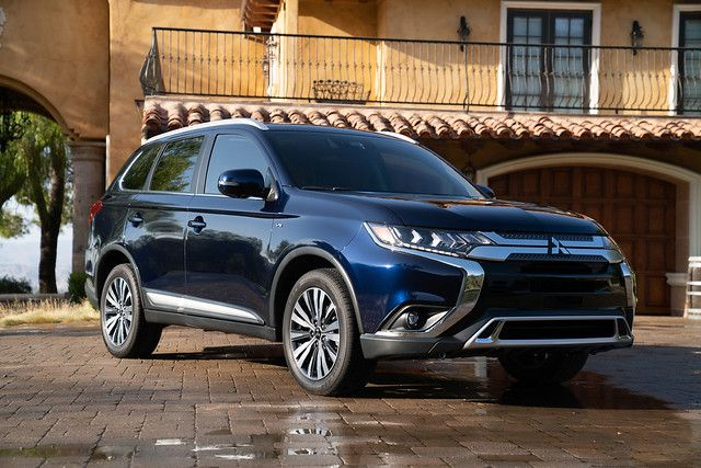 2019 Mitsubishi Outlander in High Point, NC