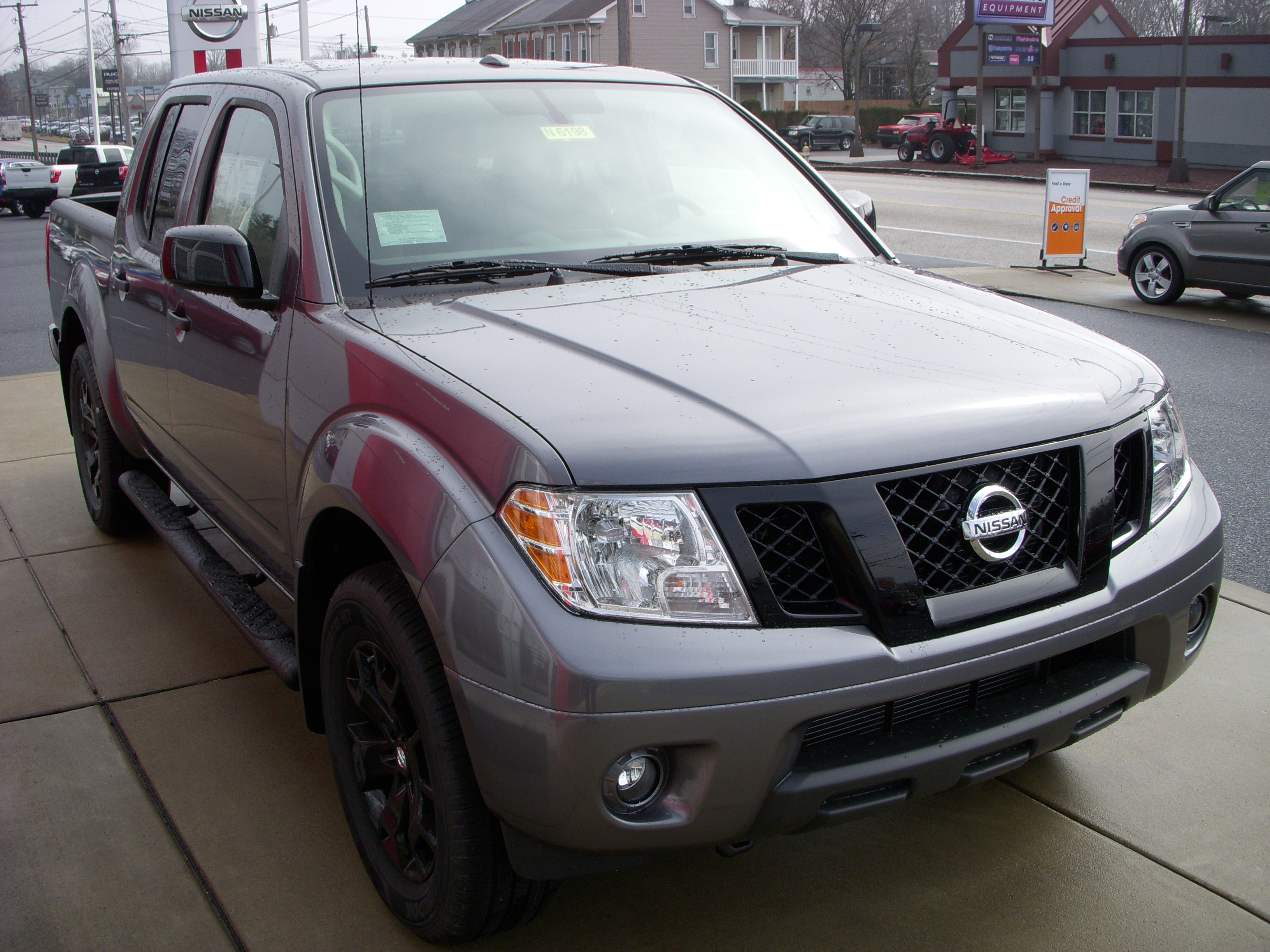 new 2018 nissan frontier sv v6 in lebanon pa maguire 39 s nissan. Black Bedroom Furniture Sets. Home Design Ideas
