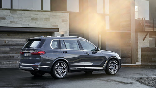 The First-Ever X7 xDrive40i and X7 xDrive50i