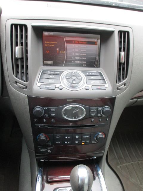 2011 INFINITI G25 Sedan Luxury