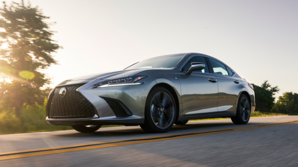 2021 Lexus Features
